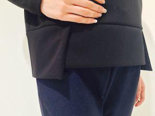 裾切り替えカットソー ブラック 裾.jpg